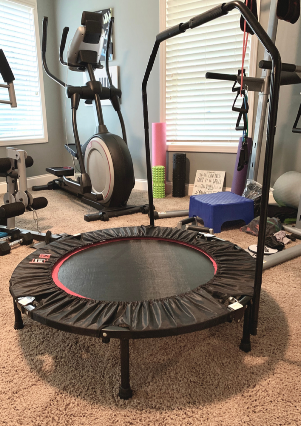 How Exercising on a Rebounder Helps With Weight Loss