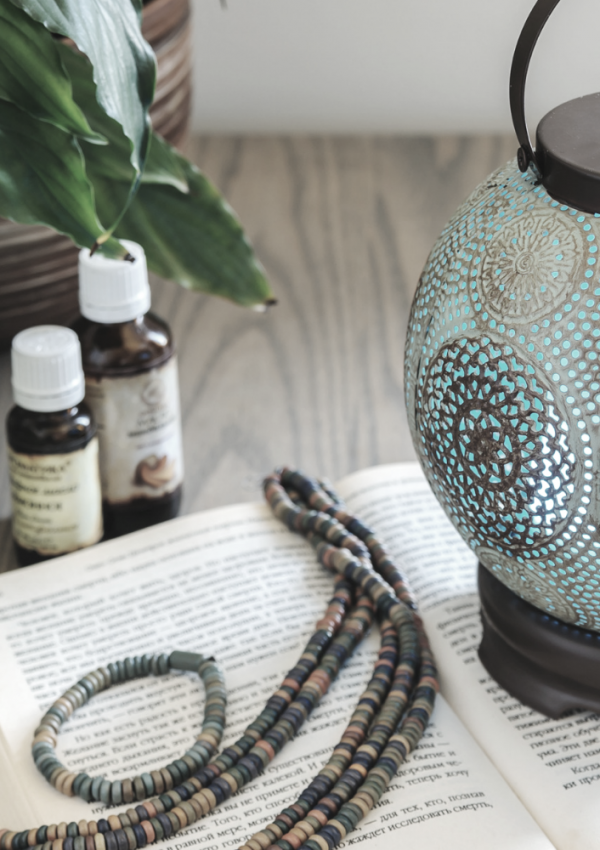 ways-essential-oils-can-improve-your-life using-a-diffuser